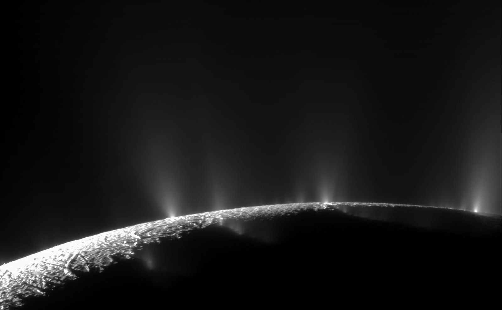 Scientists Use Cassini Data To Analyze Saturn's Moon Enceladus Compounds, Detect Methane In Plumes