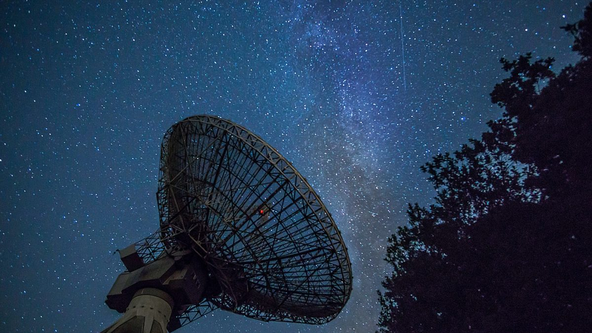 Starlink To Eliminate Ground Stations, To Offer Bandwidths To Transfer Data Close To Speed Of Light